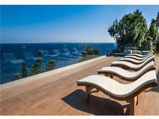 1) Ξαπλώστρες πισίνας - Έπιπλα Εξωτερικού Χώρου, ΞΑΠΛΏΣΤΡΕΣ ΠΙΣΊΝΑΣ