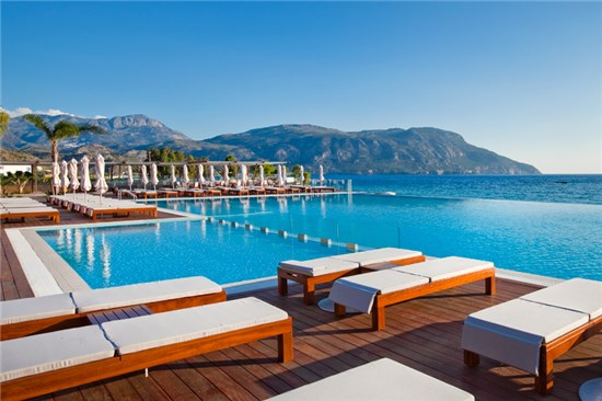 Πισίνα στο Ξενοδοχείο Alimounda Mare Κάρπαθος - Έργο 1 4