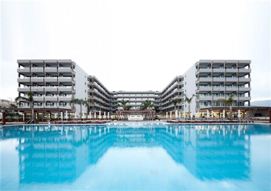 Πισίνα στο Ξενοδοχείο Alimounda Mare Κάρπαθος - Έργο 1 15