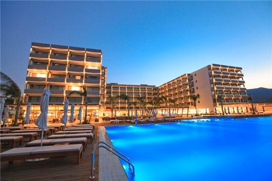 Πισίνα στο Ξενοδοχείο Alimounda Mare Κάρπαθος - Έργο 1 10