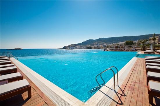 Πισίνα στο Ξενοδοχείο Alimounda Mare Κάρπαθος - Έργο 1 2
