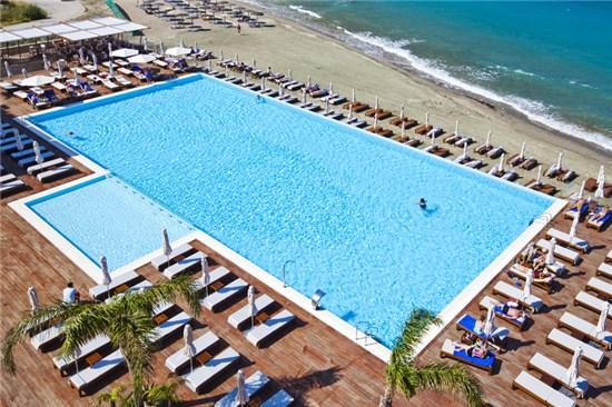 Πισίνα στο Ξενοδοχείο Alimounda Mare Κάρπαθος - Έργο 1 6