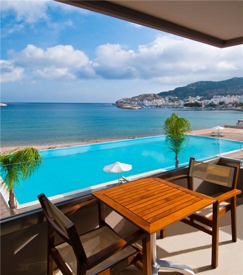 Πισίνα στο Ξενοδοχείο Alimounda Mare Κάρπαθος - Έργο 1 9