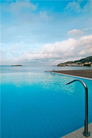 Πισίνα στο Ξενοδοχείο Alimounda Mare Κάρπαθος - Έργο 1 7