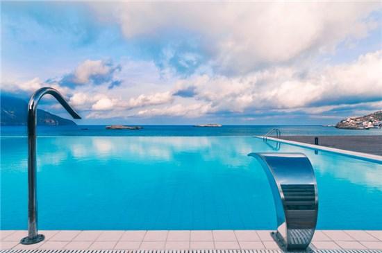 Πισίνα στο Ξενοδοχείο Alimounda Mare Κάρπαθος - Έργο 1 3
