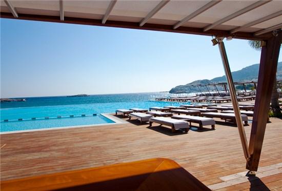 Πισίνα στο Ξενοδοχείο Alimounda Mare Κάρπαθος - Έργο 1 1