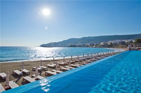 Πισίνα στο Ξενοδοχείο Alimounda Mare Κάρπαθος - Έργο 1 12