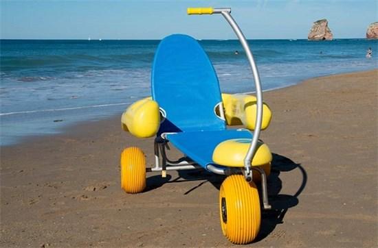 Αναπηρικό καροτσάκι παραλίας - Μοντέλο Bluebeach