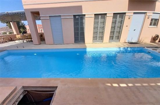 Πισίνα μπετόν με Σκίμμερ και Liner στη Σύρο - Έργο 27